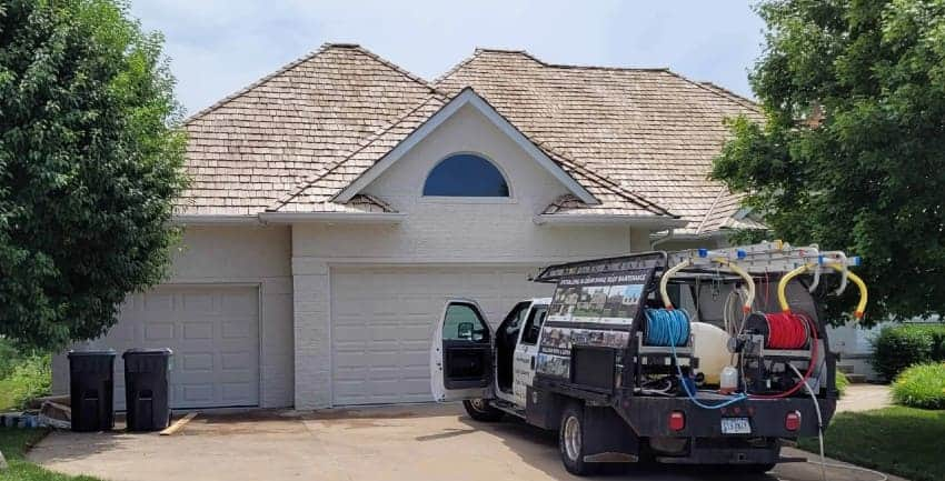 Roof Cleaning Is It Softwash_No-Pressure_Non-Pressure Process 850x433